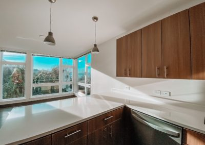 A Kitchen With Windows at Stateside Apartments